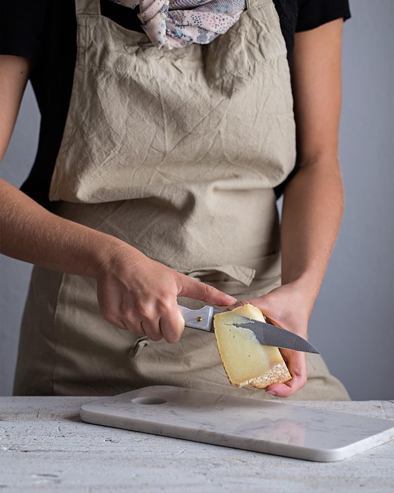 Cuchillo con mango de nácar