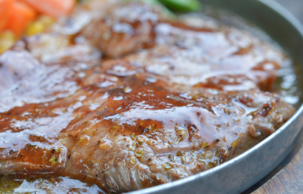 Sirloin beef steak with delicious sauce