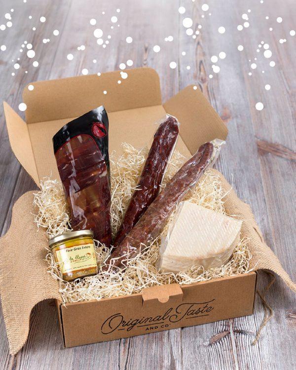 Cesta GOurmet jamón ibérico, foie, queso de cabra, chorizo dulce y fuet