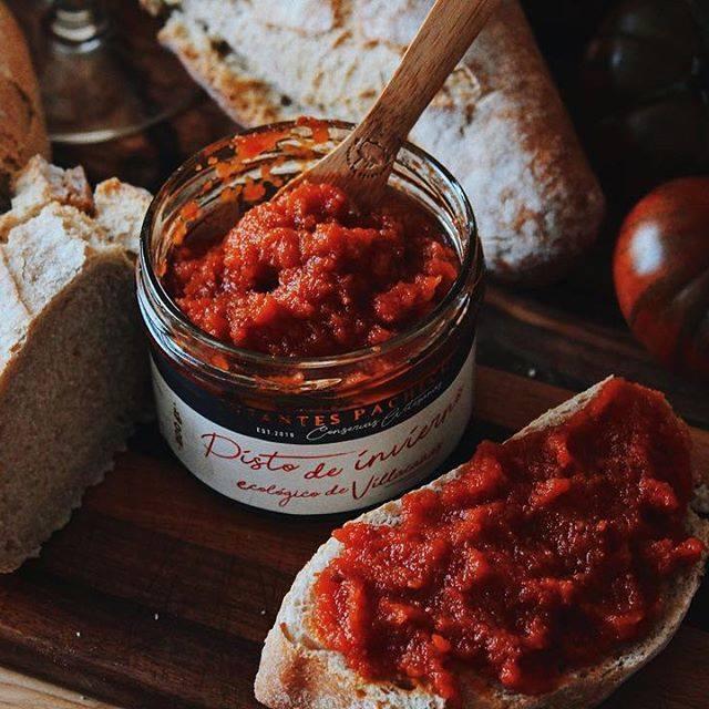 tostadas con pisto de invierno, el caviar de tomate